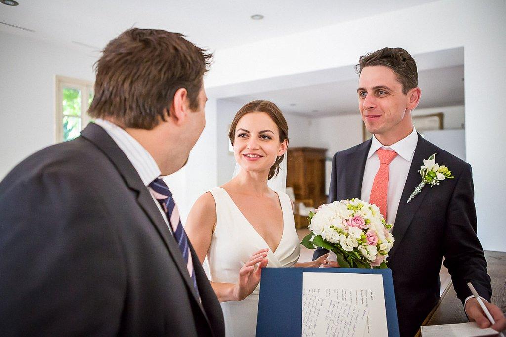 73 74 ceremonie laique chambery chateau de candie faverges franco-americain haute-savoie mariage photographe photographe de mariage savoie wedding wedding photography